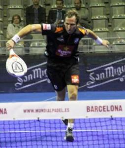 "Hernán ""Bebe"" Auguste durante un partido"