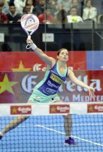 Alejandra Salazar en acción durante un partido