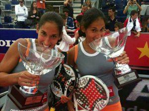 Las hermanas Sánchez Alayeto después de ganar el World Pádel Tour Barcelona 2013